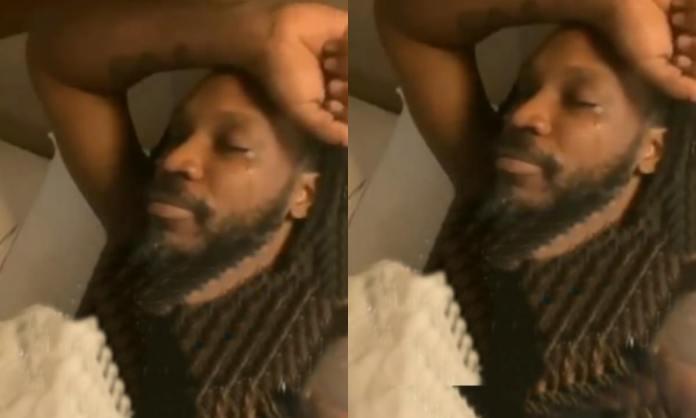 Cricket Image for VIDEO: मां को याद कर फूट-फूटकर रोने लगे क्रिस गेल, कहा-'मुझे माफ कर देना'