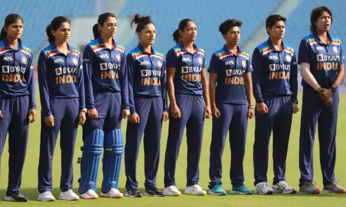 Cricket Image for भारतीय महिला क्रिकेट टीम के हेड कोच पद के लिए शॉर्टलिस्ट हुए 8 उम्मीदवार, यह दिग्ग