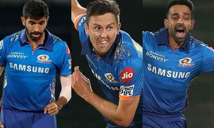Cricket Image for बुमराह-बोल्ट और धवल कुलकर्णी की तिकड़ी ने बनाया शर्मनाक रिकॉर्ड,सबसे ज्यादा रन देन