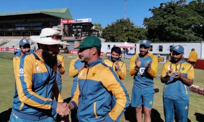 Cricket Image for 18 साल इंतजार, 598 विकेट लेने के बाद इस गेंदबाज ने पाकिस्तान के लिए टेस्ट डेब्यू क