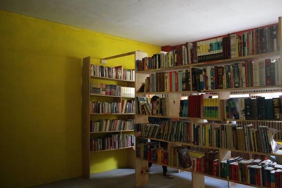 estudiante de la unam crea biblioteca 1