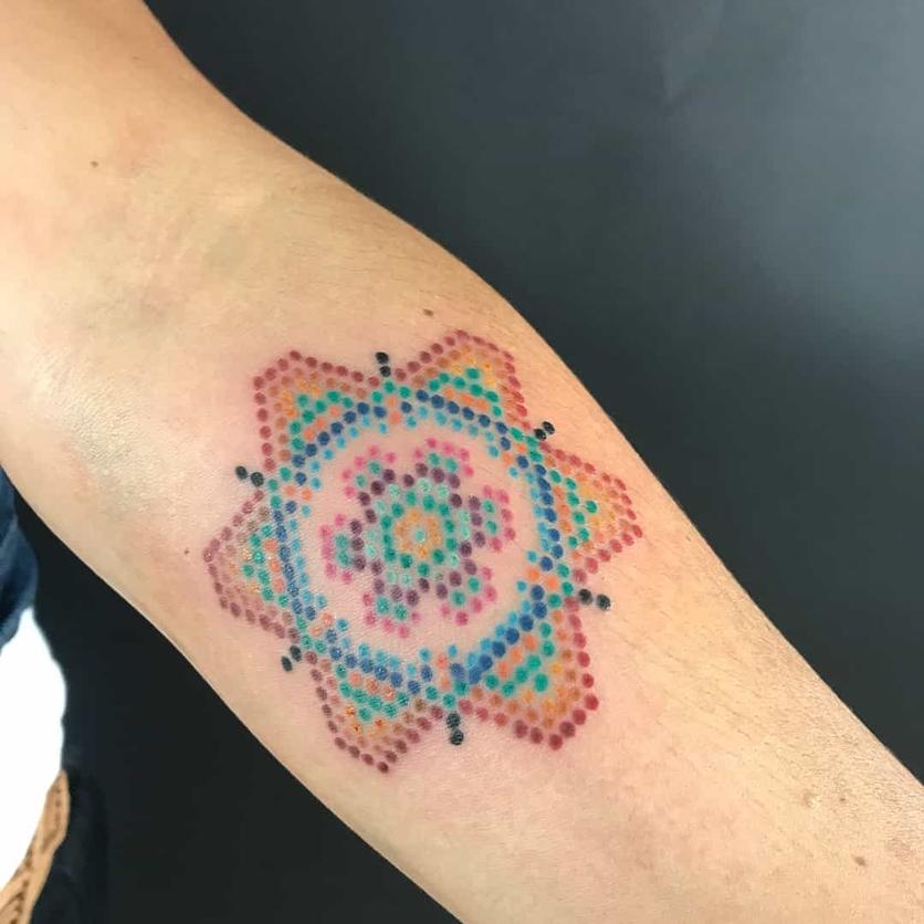 15 ideas de tatuajes de bordados huicholes y otomíes 6