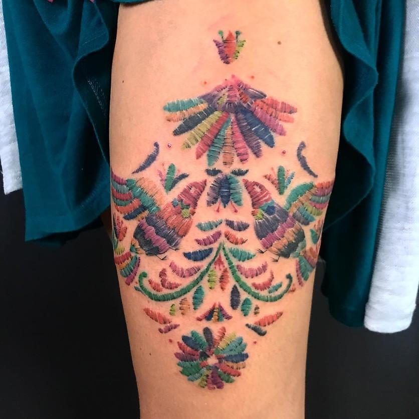 15 ideas de tatuajes de bordados huicholes y otomíes 13