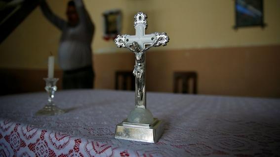 clero catolico habria abusado de al menos 10 mil ninos en francia 2