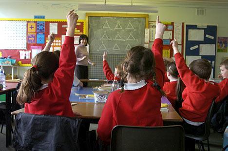 Los niños finlandeses ingresan a los 7 años al sistema educacional, lo cual es relativamente tarde en comparación con la mayoria de los paises europeos