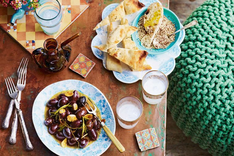 Zaatar with turkish bread