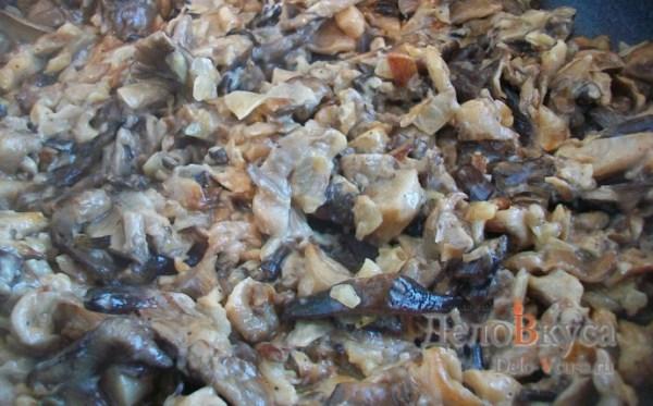 Грибная начинка. Грибы жареные со сметаной. Жареные грибы фото