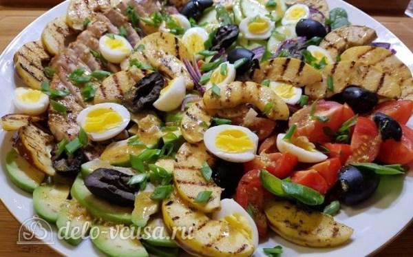 Салат с тунцом, айвой и авокадо, пошаговый рецепт с фото
