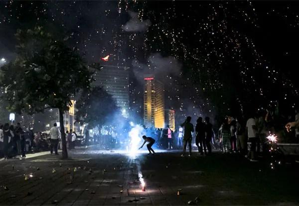பட்டாசு, சுப்ரீம் கோர்ட்,  தீபாவளி ,தீபாவளி பண்டிகை, உச்ச நீதிமன்றம், தீபாவளி கொண்டாட்டம் ,  பட்டாசு வெடி, தமிழகம் , Fireworks, Supreme Court, Tamilnadu, Deepavali, Diwali festival, deepavali, Diwali celebration, Fire cracker,  cracker