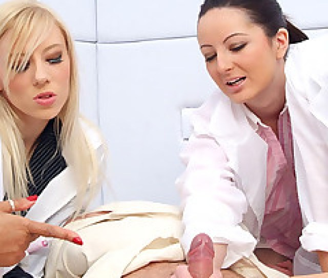 Gorgeous Female Doctors Pics