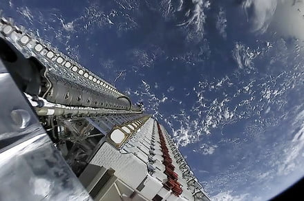SpaceX and NASA act to avoid Starlink collisions in orbit