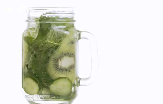 喝水就能降低食慾+消脂? 6款水果排毒水配方一次大公開! 噪咖 EBCbuzz