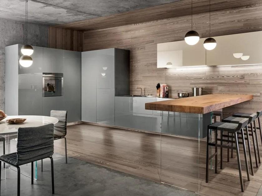 36e8 glass kitchen with peninsula