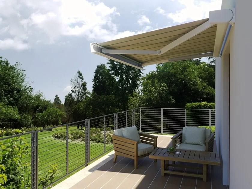 La tenda zip con telo pvc trasparente per esterni garantisce protezione. Tenda Da Sole Cassonata A Bracci Caraibi By Mv Living
