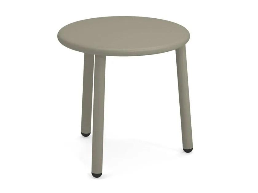 yard round coffee table by emu design