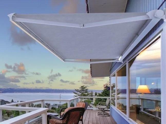 Una soluzione impacchettabile adatta solo come protezione solare, semplice e conveniente. Box Awning Domea By Ke Outdoor Design Design Robby Cantarutti