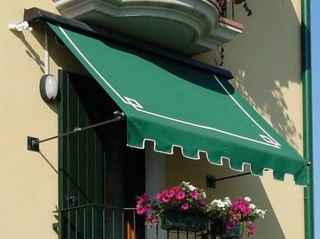 Scorrevoli su guide laterali, resistenti alle intemperie e configurabili su misura. Tenda Da Sole A Caduta Retro By Ke Outdoor Design