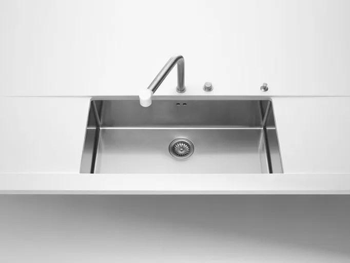 raggio 12 undermount sink by alpes inox