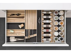 Scopri tutti i prodotti della collezione, ordina online o clicca e ritira direttamente in negozio. Accessori Interni Per La Cucina