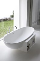 Freistehende ovale Badewanne aus Korakril™ EGG by Rexa ...