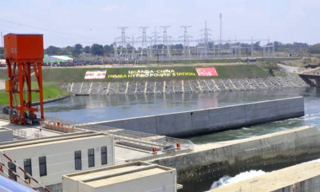 中国融資を受けて建設されたイシンバ水力ダム (Wifred Sanya)