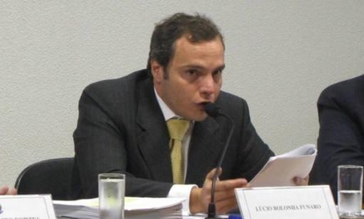 Lucio Bolonha Funaro