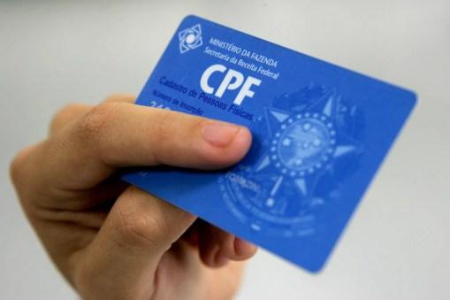 Travestis e transexuais poderão ter nome social no CPF