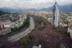 Piñera pede que todos seus ministros entreguem os cargos no Chile - Internacional