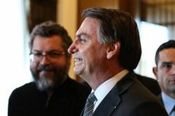 'É um áudio bobo', diz Bolsonaro sobre fala de Queiroz - Política