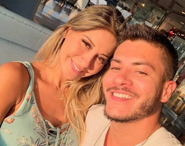 Mayra Cardi fala sobre fim do casamento com Arthur Aguiar: 'te amo para  sempre' - Emais - Estadão