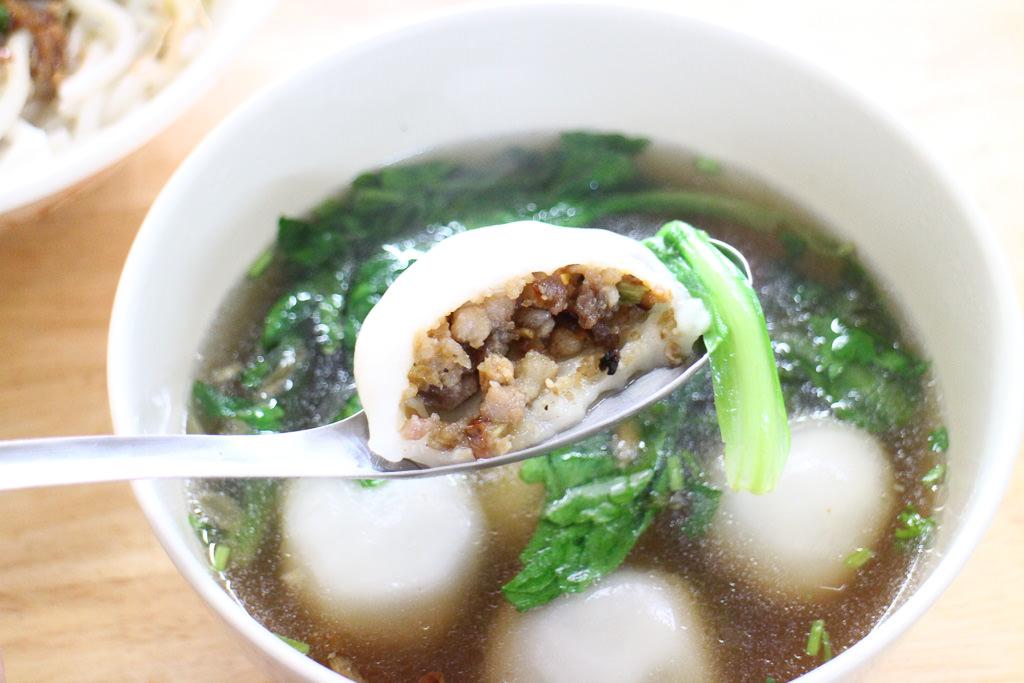 屏東 『鹹湯圓』客家庄的傳統好味道,冬至來碗最對味 屏東縣內埔鄉|劉記客家鹹湯圓