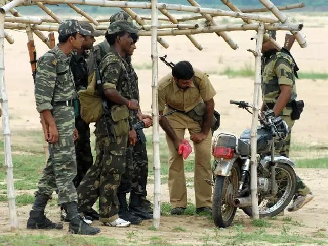 భారీ ఎన్కౌంటర్...ఐదుగురు మృతి-నేరవార్తలు–08/24-Huge encounter in chattisgarh forests-5killed-telugu crime news today-08/24