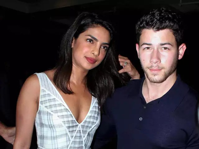Netizens troll priyanka saying that she looks like nick jonas mom