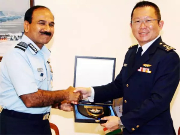 Singapore's Air Force chief Major General Hoo Cher Mou ...