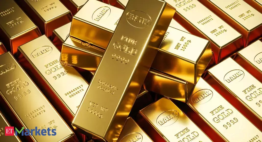 Gold prices today rise to Rs 50,800 on strong global cues
