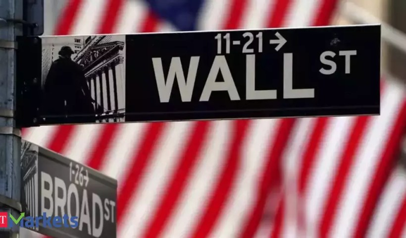 Dow Jones extends recovery at end of volatile week