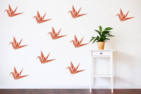 Take a look at how to decorate your walls!