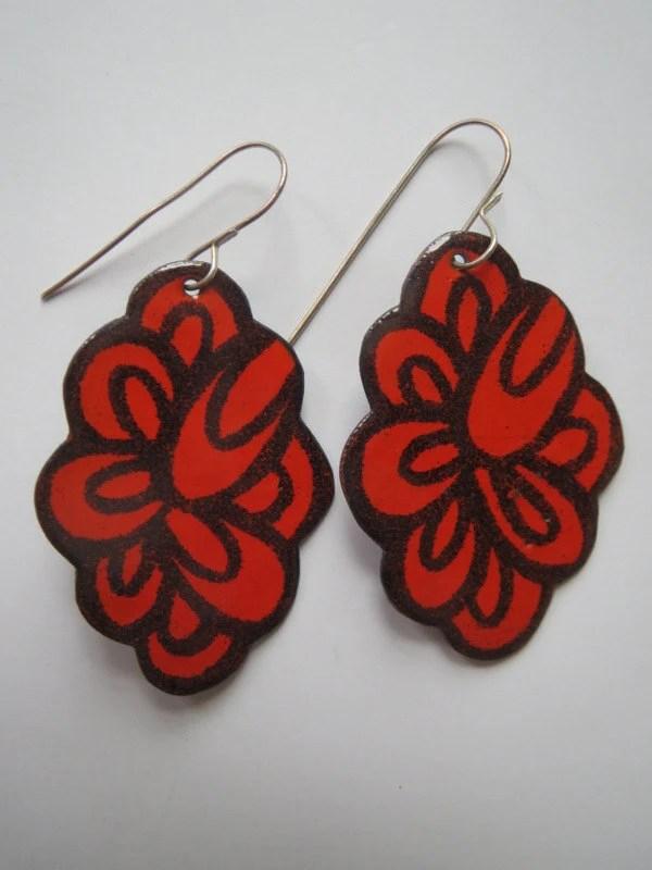Enamel scallop earrings...