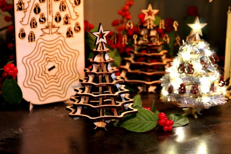 Mini christmas tree decorating contest for Miniature tree decorated with sea shells