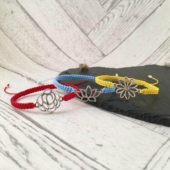 Macramé Flower Bracelet