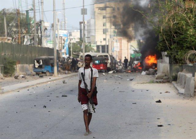 Resultado de imagen para Deja 39 muertos atentado suicida contra hotel de Somalia