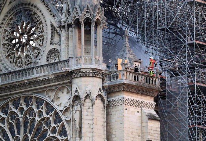 Resultado de imagen para diseño para restaurar la catedral de Notre Dame