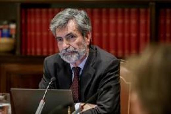 El presidente del Consejo General del Poder Judicial y del Tribunal Supremo (CGPJ), Carlos Lesmes, preside el pleno del CGPJ en una imagen de archivo