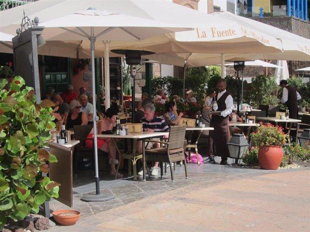 La llegada de turistas internacionales se hunde un 80,5% en Canarias hasta mayo y el gasto cae un 78,3%