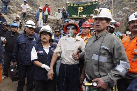Uno De Los Mineros Rescatados En Perú