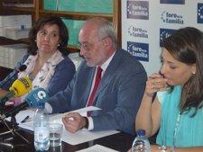 Rueda De Prensa Foro De La Familia Y España Educa En Libertad