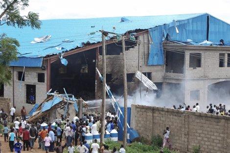Atentado Con Bomba Perpetrado Por Suicidas Contra Una Iglesia En Nigeria