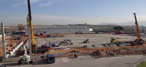 Obras del nuevo centro logístico de Honda en Santa Perpètua (Barcelona)