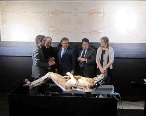Inauguración de la exposición sobre la Sábana Santa
