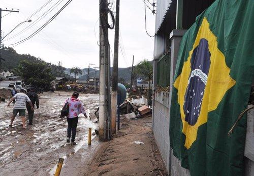 Fuertes Lluvias En Brasil
